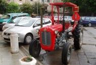 Traktor na senjskoj Cilnici