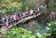 Kolone ljudi danas u NP Plitvička jezera
