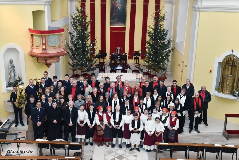 Božićni koncert u gospićkoj katedrali