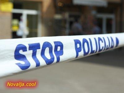 Otuđen moped i pronađena droga kod pet osoba u Novalji