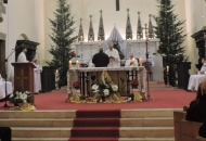 Biskup Bogović predvodio misu polnoćku u Senju