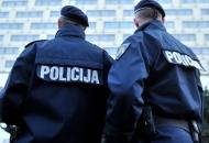 Kradu se mobiteli, drva, novac - prijeti se policiji