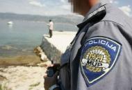 Poginuo 61-godišnjak udarivši u kameni zid na kružnom toku