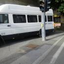Dugotrajno parkiranje na pristupu zebri