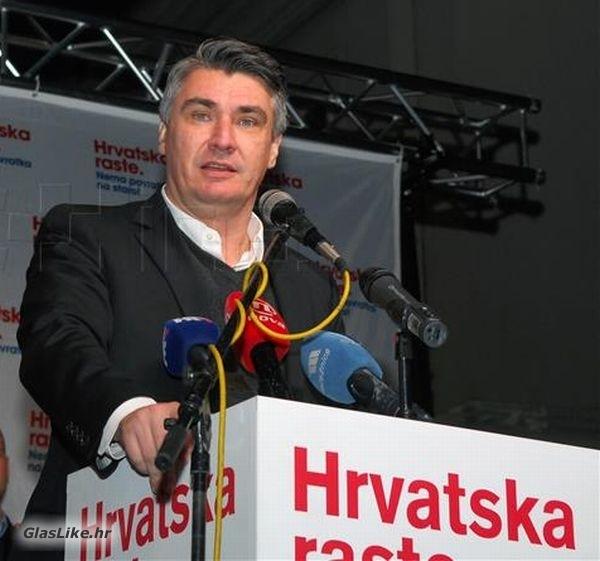 """""""Hrvatska raste"""" predizborni skupovi u Gospiću i Senju"""