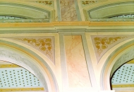 Kako li je tek nekada izgledala unutrašnjost otočke crkve