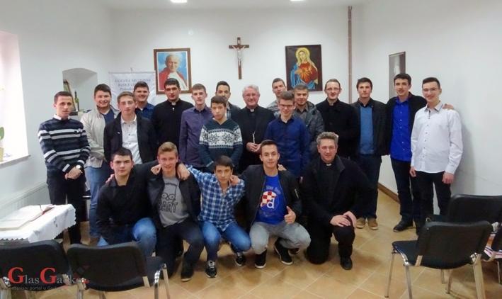 Duhovne vježbe sjemeništaraca na Baškim Oštarijama