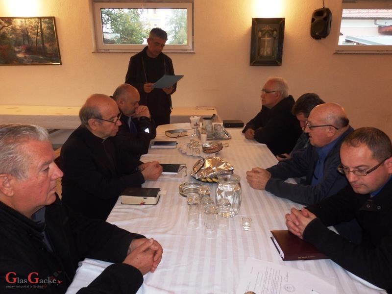 Sastanak svećenika Otočkoga dekanata