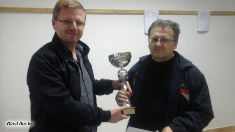 Levar pomeo konkurenciju na šahovskom turniru u Karlobagu