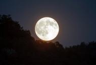 Sutra večer super-Mjesec