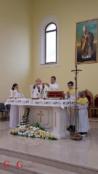 Proslavljena posveta crkve Ivana Pavla II. u Lapcu
