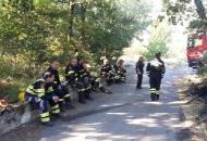 Ličko-senjski vatrogasci i drugu noć na požarištu u Splitu
