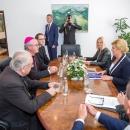 Predsjednica Grabar Kitarović s biskupima