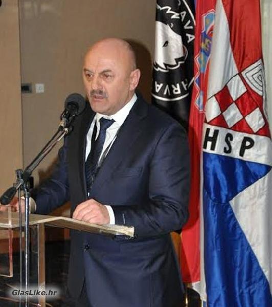 Karlo Starčević osobno stipendira devet studenata