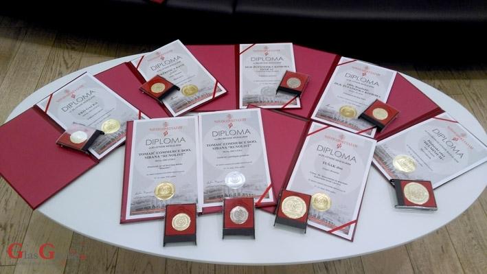 Osam medalja s Novosadskog sajma proizvođačima iz Ličko-senjske županije