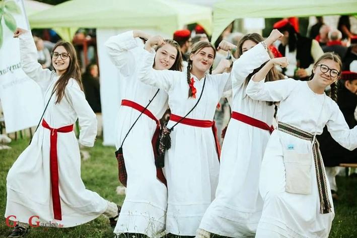 Gačani pozvani na 53. Vinkovačke jeseni