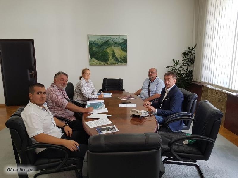 Župan Milinović održao radni sastanak s predstavnicima Lučke uprave Novalja