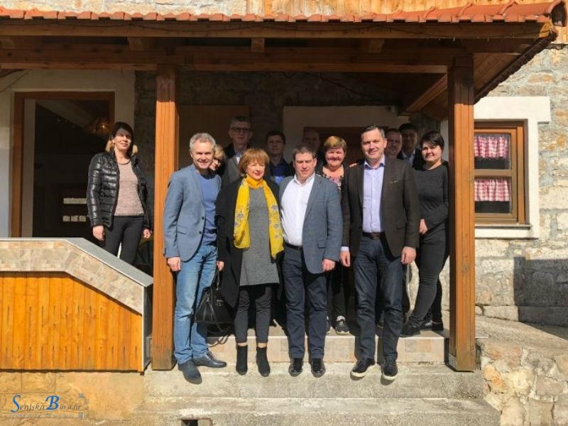Ministar Butković i Marijan Kustić u radnom posjetu Donjem Lapcu