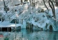 Zbog snijega zatvorene neke staze na Plitvičkim jezerima