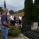 Gradske delegacije polaganjem vijenaca i paljenjem svijeća odale počast hrvatskim braniteljima