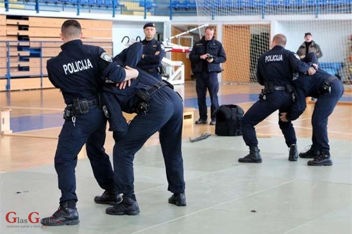 Dan otvorenih vrata - upis obrazovanja odraslih za policajce