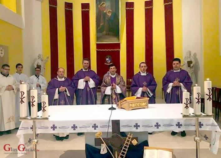 Don Angjelo proslavio prvu u nizu misa povodom 40 godišnjice ređenja