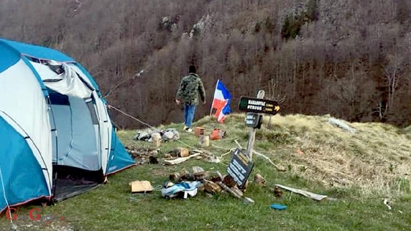 Slovenci na Velebitu izvjesili zastavu SFRJ