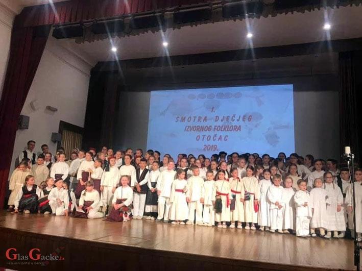 Sinoć održana 1. smotra dječjega izvornoga folklora Otočac 2019.