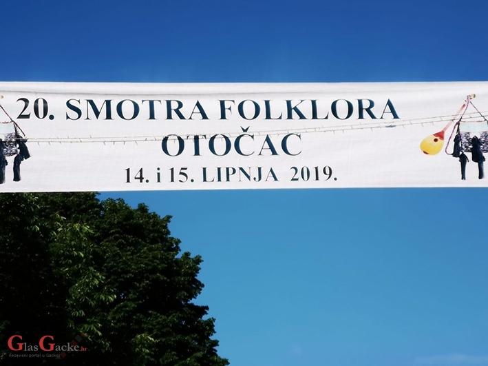 Program 20. smotre folklora u Otočcu