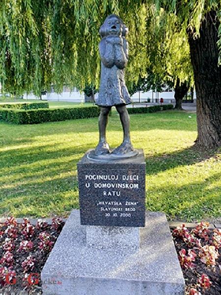 Tko se u Srbiji ikada sjetio hrvatskih žrtava?