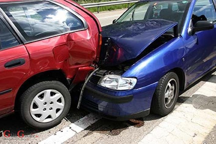 Dvije prometne nesreće i nešto malo oružja