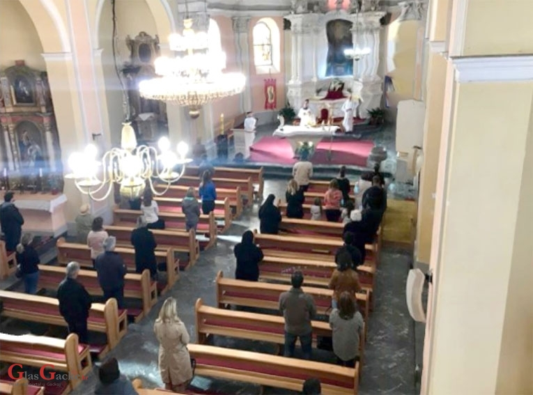 Ovako je protekla jutarnja misa u Otočcu