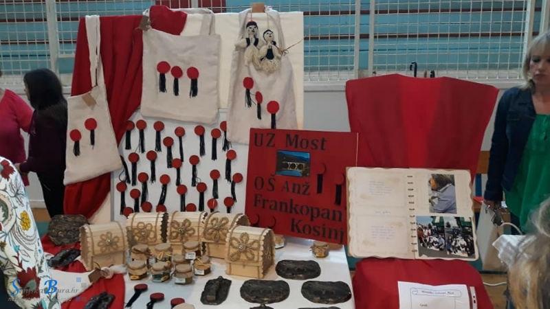 """Drvena kutija za nakit Zadruge """"Most"""" pobjednica je 2. Županijske smotre učeničkih zadruga"""