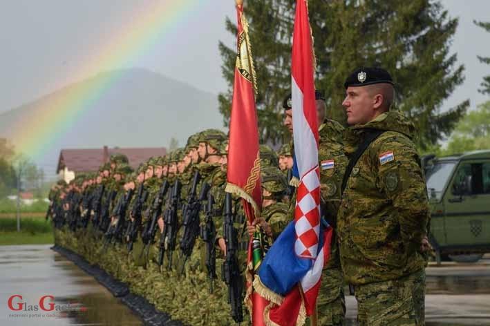 Ispraćaj postrojbe HKV u operaciju KFOR na Kosovu