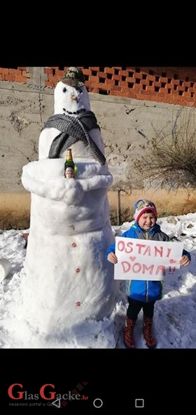 Pobjednik je Antin snjegović!