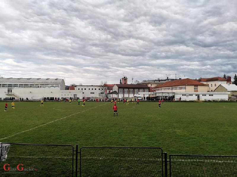 Otočki nogometaši pobijedili NK Medulin