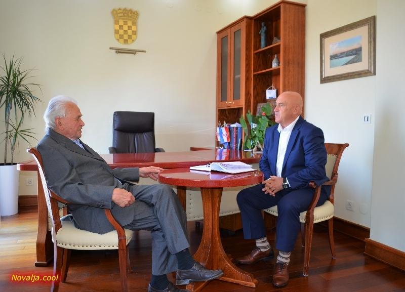 Prvi radni dan gradonačelnika Ivana Dabe Đone protekao radno u razgovoru s pročelnicima