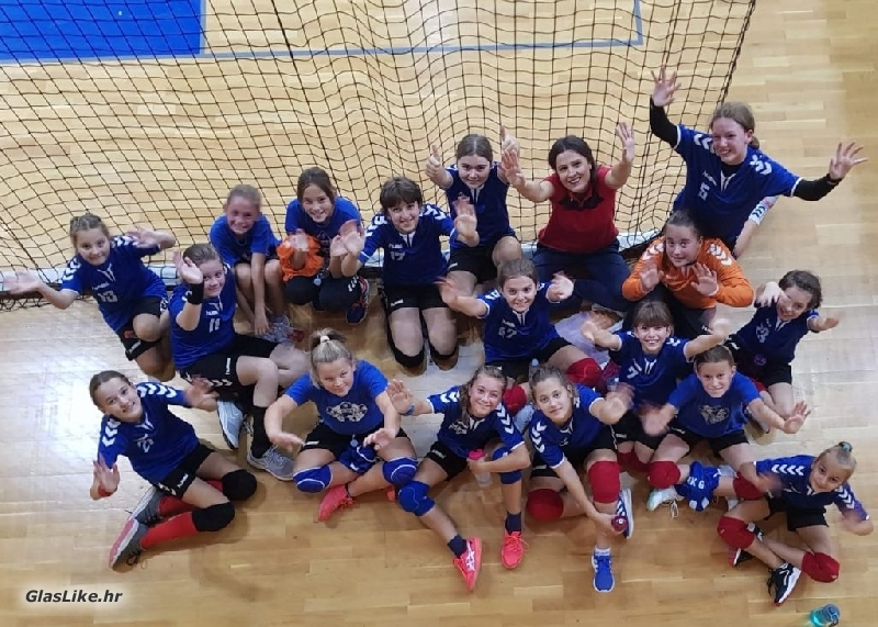 Mlade rukometašice Gospića pobjedama ušle u ligaško natjecanje