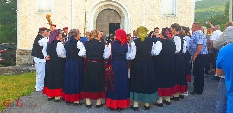 """Kulturno umjetničko društvo """"Lipa"""" Sinac razdragalo Lipice pjesmama zavičaja"""