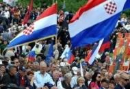 Na Bleiburgu i zastave s grbom koji počinje bijelim poljem