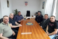 Delegacija Regionalnog kluba IPA Ličko-senjske na prijamu kod načelnika Policijske uprave