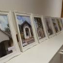 Fotografije krajolika, prirode i kulturne baštine izložene na zidovima Kulturnog centra u Brinju